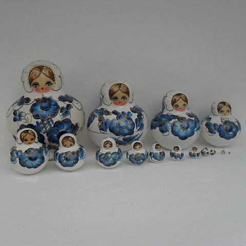 Mat021 - Matryoshka Dolls